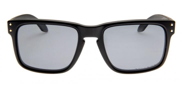 porque as lentes polarizadas oakley descasca