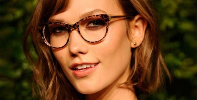 Equilibre os óculos com a sobrancelha - QÓculosQÓculos c4bcfe8c50