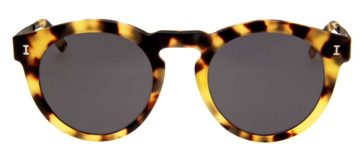 e95a051ef Óculos Illesteva Toohey Redondo Lente Preta Armação Tartaruga Fosco. Óculos  de Sol Illesteva